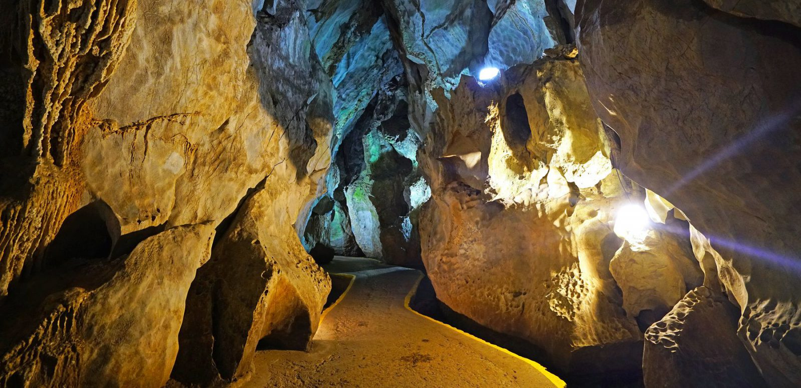 Cave of the Indian in Vinales