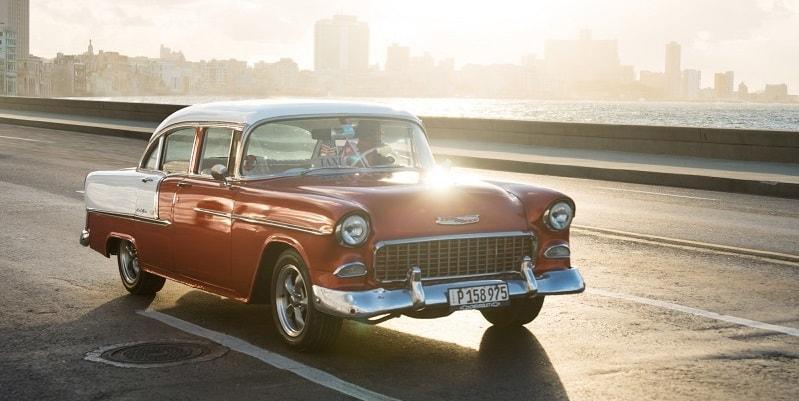 A taxi by El malecon in Havana Cuba-min